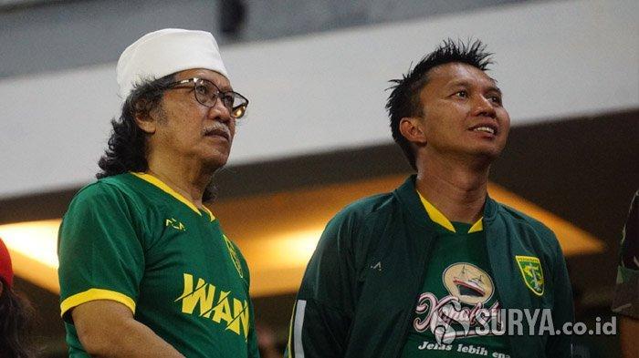 Cak Nun Doakan Persebaya Surabaya Meraih Gelar Juara di Tahun 2020