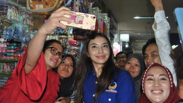 Sejumlah Caleg Artis Ikut Nobar Debat Capres Perdana di Jatim Expo Surabaya. Berikut Daftarnya
