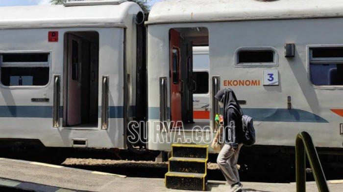 Uji Coba New Normal, Jumlah Penumpang Kereta Api di Stasiun Blitar Mulai Meningkat