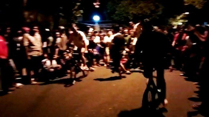 Viral Video Balap Sepeda di Kabupaten Tuban, Dua Jokinya Cewek Picu Kerumunan Penonton