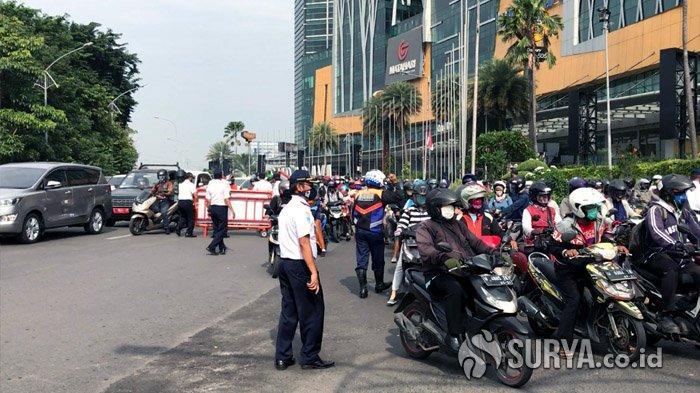 Hari Pertama Penerapan PSBB Surabaya, Banyak Pengendara Berplat Luar Kota Dipaksa Putar Balik