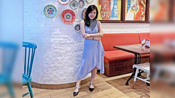 Tips dari Fashion Stylist Asal Surabaya, Tampil Trendi dengan Midi Dress untuk Tubuh Mungil