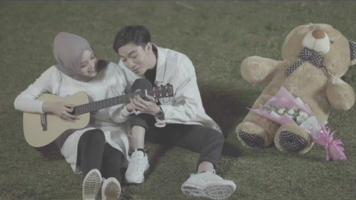Chord Lagu Menahan Rasa Sakit - Putri Delina Viral di TikTok, Ku Akan Selalu Ada Untukmu