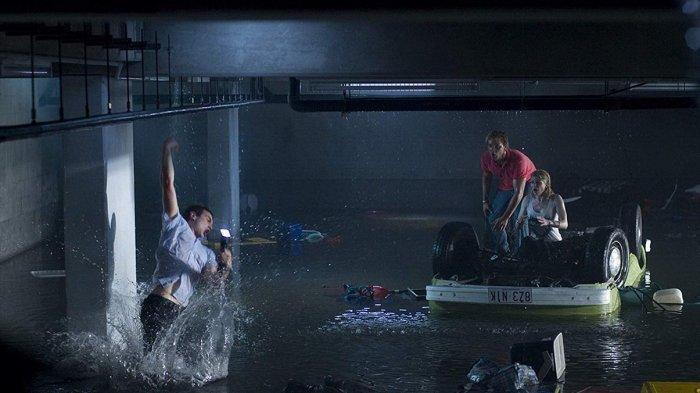 Sinopsis Film Bait Tayang Hari ini Jam 21.30 di TRANS TV, Kekacauan di Toko Akibat Hiu Raksasa