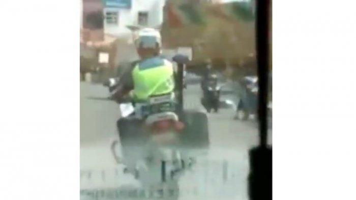 Kronologi Video Anggota Polantas Purwakarta Kawal Ambulans yang Sirine Rusak, ini 3 Fakta Lengkapnya