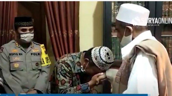 VIDEO Pertemuan Habib Umar Assegaf dan Asmadi Satpol PP Surabaya Berdamai, Janji Bakal Ajak Umroh