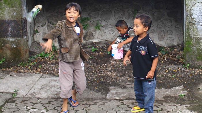 Menilik Sekolah Dalang Cilik di Kota Malang - dalang-cilik_20160427_193106.jpg
