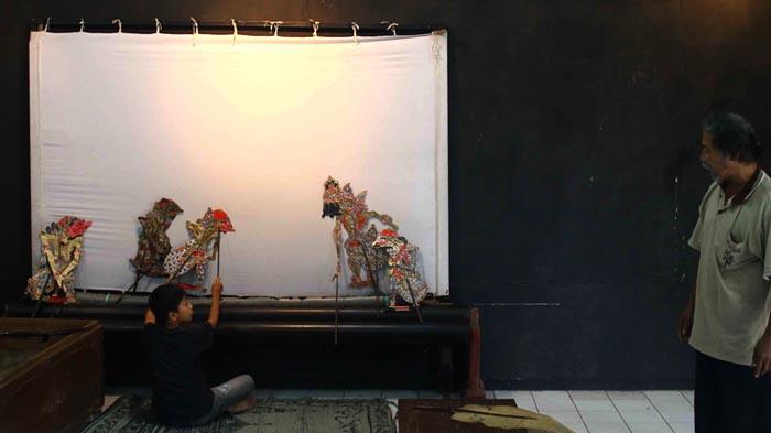 Menilik Sekolah Dalang Cilik di Kota Malang - dalang-cilik_20160427_193241.jpg