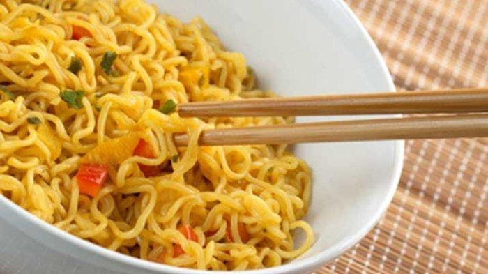 Tips Sehat, Ini Dampak Makan Mie Instan Pakai Nasi, Simak Cara Aman Mengkonsumsi Menurut Ahli