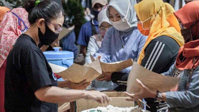 Kecamatan Banyuwangi BukaDapur Umum dan Bantu Guru PAUD