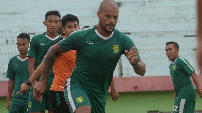 Reaksi Aji Santoso soal Kabar Striker Persebaya Surabaya David da Silva yang hingga kini Belum Jelas
