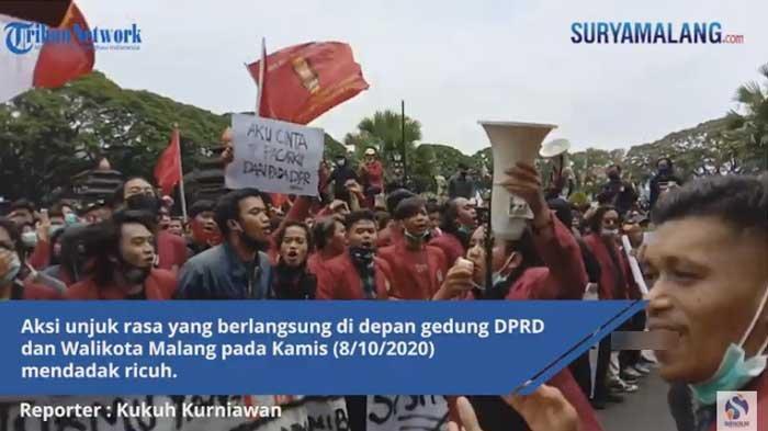 Detik-detik Demo Anarkis di Kota Malang Tolak UU Cipta Kerja, di Surabaya Relatif Aman dan Lancar