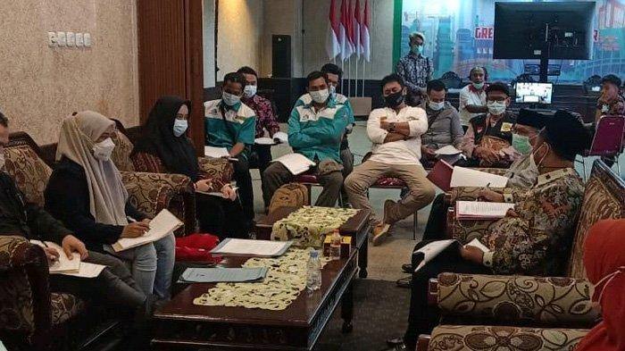 Mediasi Tuntas, Bupati Gresik Wajibkan PT Newera Segera Bayarkan Gaji dan THR Buruh