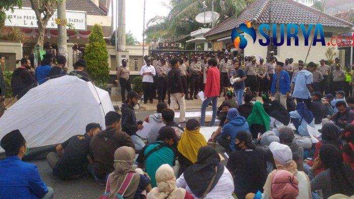 Marah Raperda RTWR Disahkan, Mahasiswa Ancam Duduki Gedung DPRD Lamongan