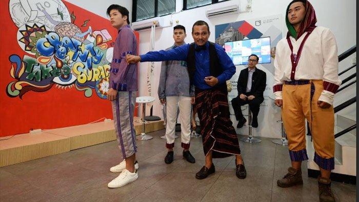 Mens Fashion Style 2019: Desainer Embran Nawawi Tampilkan Karya Kolaborasi dengan Mahasiswa