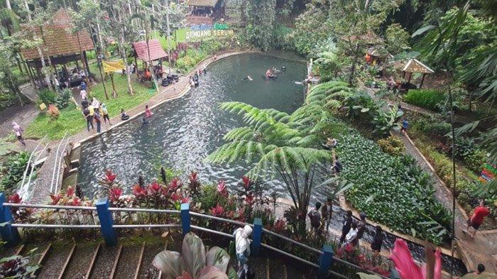 Tidak Bisa Keluar Kota, Wisatawan Lokal Pilih Ramaikan Puluhan Destinasi Wisata di Banyuwangi