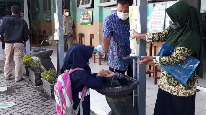 Uji Coba Pembelajaran Tatap Muka di Kota Kediri Dipantau Satgas Covid 19