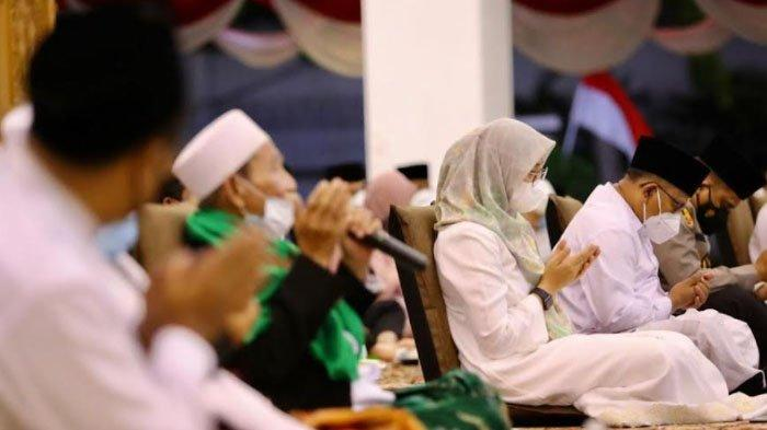Refleksi Kemerdekaan, Doa Bersama Kiai Banyuwangi Hingga Ustaz Yusuf Mansur