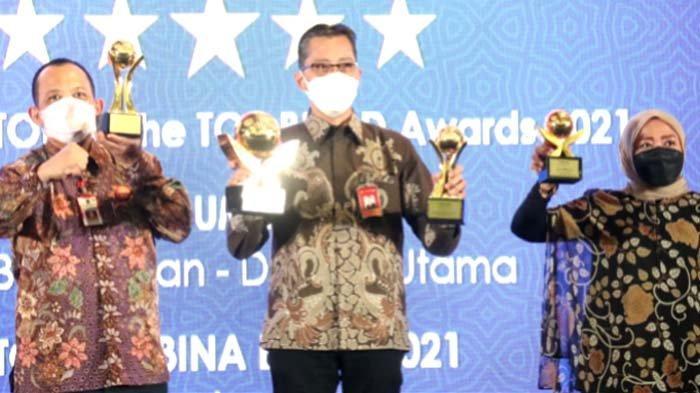Bank Jatim dan Pemprov Jatim Borong Penghargaan TOP BUMD Award 2021