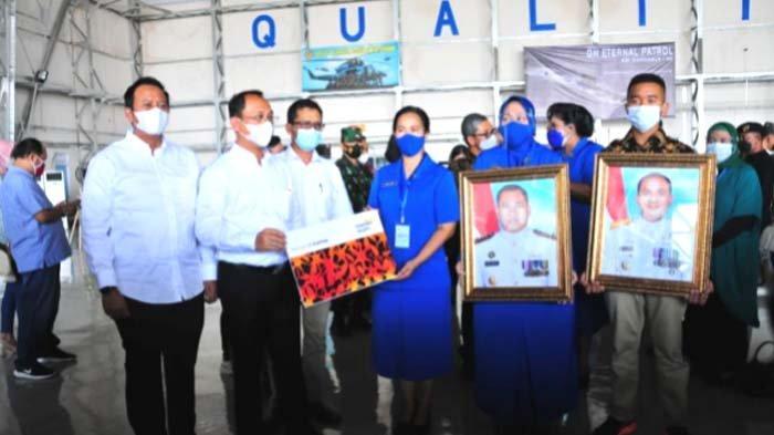 17 Ahli Waris Kru KRI Nanggala 402 Terima Santunan Asuransi dari Bank Mandiri Taspen