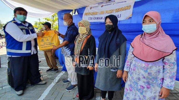 Warga Kabupaten Pasuruan Sumringah dapat Paket Sembako Jasamarga Gempol-Pasuruan (JGP)