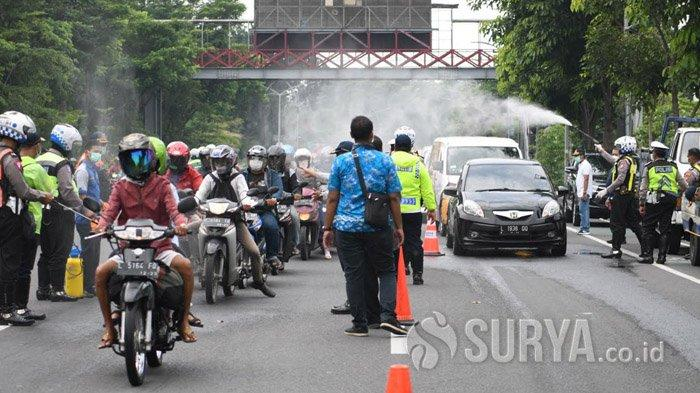Cegah Persebaran Covid-19, Risma Siapkan Posko untuk Sterilisasi Kendaraan yang Masuk Surabaya