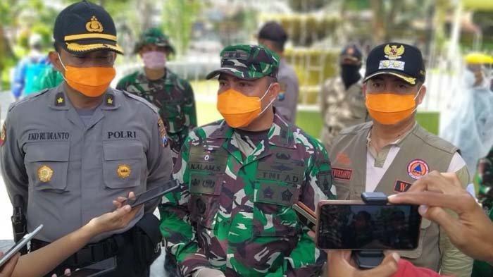 Pemkab Madiun TNI dan Polri Lakukan Penyemprotan Disinfektan di Fasum hingga Tingkat Desa