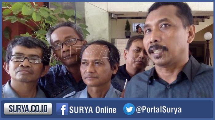 Banyak Guru Pensiun, ini Upaya Dindik Atasi Kekurangan Guru SD - SMP di Surabaya