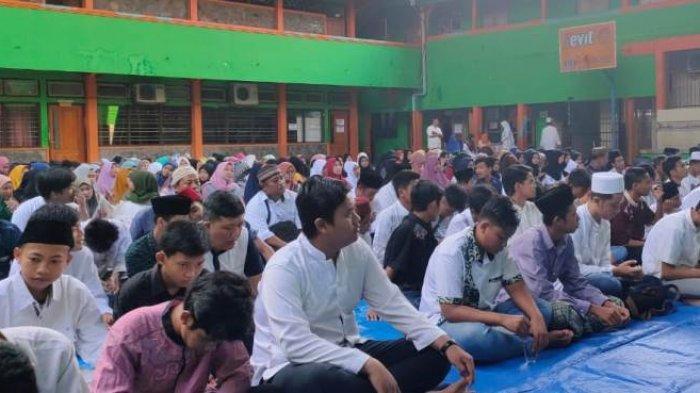 Menghadapi Ujian Nasional, SMP Kawung 1 Surabaya Berdoa Bersama