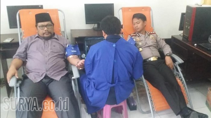 Sulit Cari Donor Darah, ini yang Dilakukan Wartawan di Gresik