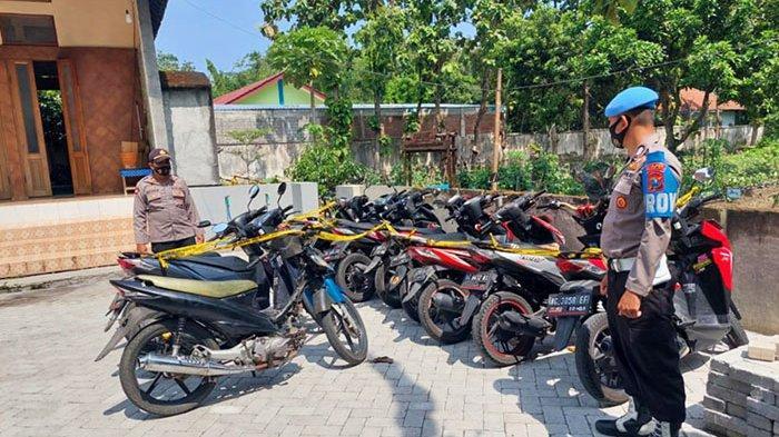 Belasan Sepeda Motor Disita dari Arena Balap Liar di Kediri