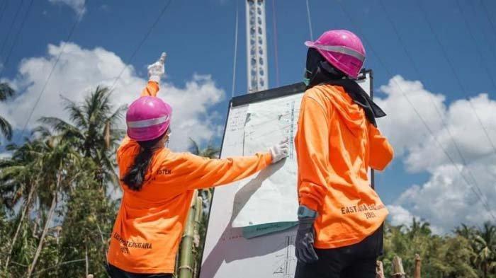 Kisah 2 Srikandi PLN di Lokasi Bencana: Berharap Listrik kembali Nyala, Ikut Dirikan Tower Darurat