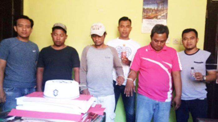Dua Warga Surabaya Ditangkap Polisi saat Nyabu di Kandang Sapi di Bangkalan Madura
