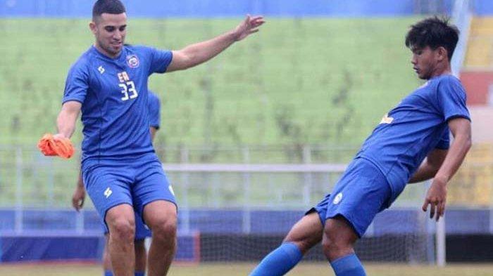 Status Sebenarnya Elias Alderete di Arema FC karena Belum Sepakat Renegosiasi Kontrak