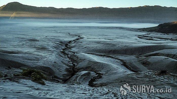 Gunung Bromo Masih Ditutup, Wisatawan Tak Bisa Saksikan Fenomena Embun Upas