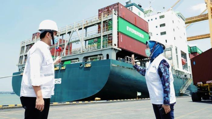 Yakinkan Investor, Wagub Jatim Emil Dardak Tinjau Terminal Petikemas Surabaya