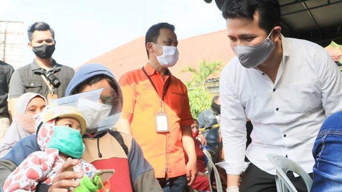 Sidak Penyerahan BST Tahap III, Wagub Jatim Emil Dardak Ingatkan Pentingnya Pengendalian Massa