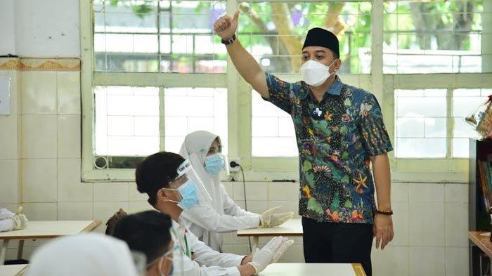 Tingkatkan Kualitas Guru di Surabaya, Wali Kota Eri Cahyadi Tak Bedakan Sekolah Negeri dan Swasta