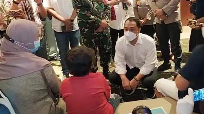 Tinjau Pembukaan Bioskop di Surabaya, Cak Eri Sapa Anak Pengunjung: Nggak Takut Nonton Berjarak?
