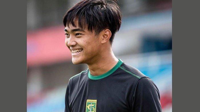 Persebaya Tampik Rumor Coret Kiper Timnas U-19, Jamin Posisi Ernando Sutaryadi di Skuat Bajul Ijo