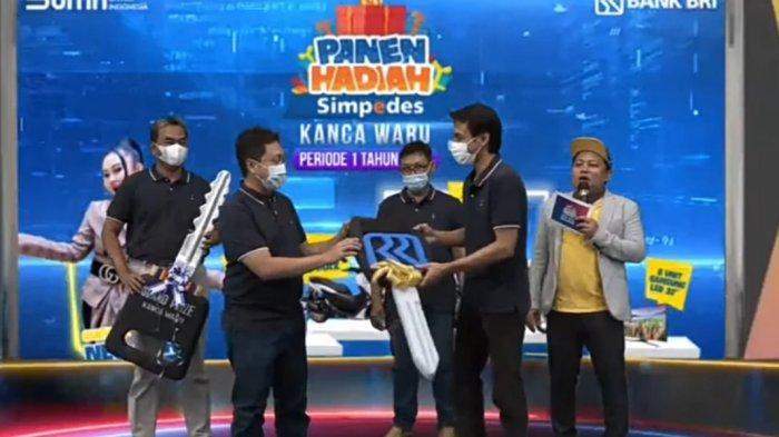 Nasabah Simpedes Unit Kalijaten Waru Raih Suzuki New Ertiga di PHS Periode I Tahun 2021
