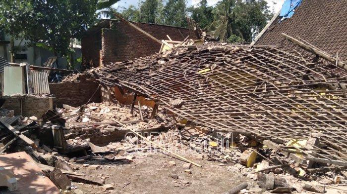 Cerita Warga Desa Majang Tengah Kabupaten Malang, Takut Tempati Rumah Retak Akibat Gempa Bumi