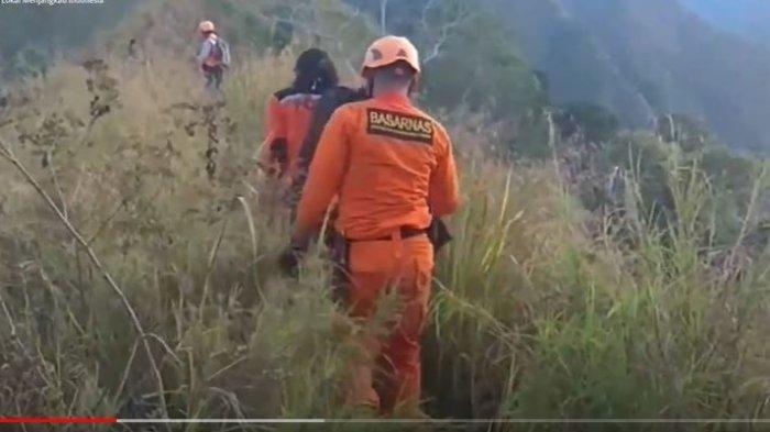 VIDEO Detik-detik Evakuasi Pendaki yang Jatuh di Gunung Piramid, Jasad Ditemukan Telungkup di Jurang