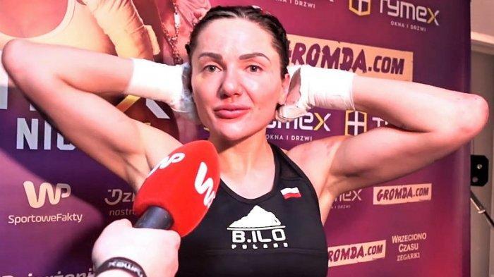 Tunjukan Benda 'Dewasa' saat Timbang Badan Petarung MMA Cantik Dihajar Habis-habisan