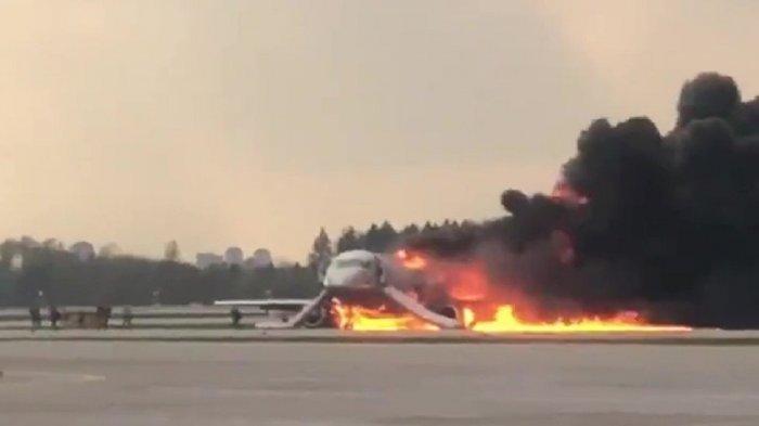 Ilustrasi Pesawat Komersil Dibakar KKB Papua. Fakta terbarunya ada di artikel ini