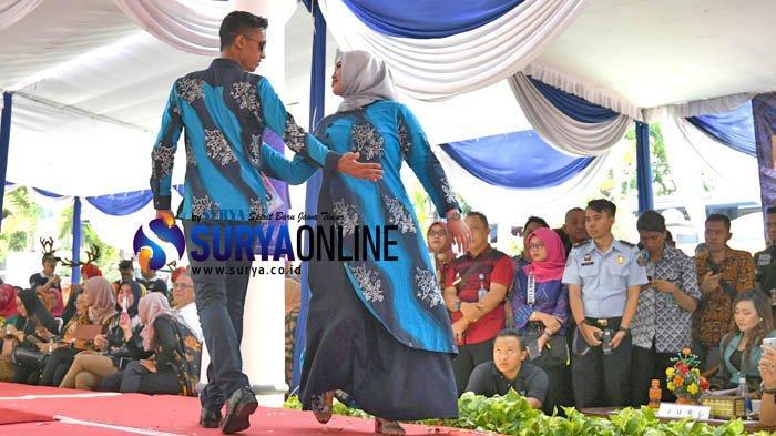 Galeri Foto Fashion Show Busana Batik Jeruji Karya WBP oleh 180 Pegawai Kemenkumham Jatim