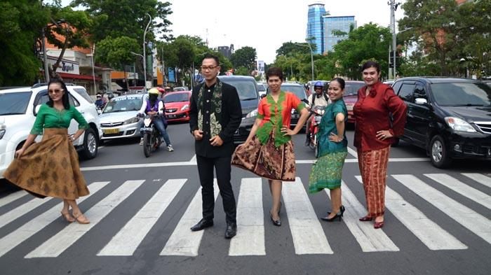 GALERI FOTO - Hari Kartini dari Aksi di Jalanan hingga Lomba Antarkaryawan - fashion_20160421_193354.jpg
