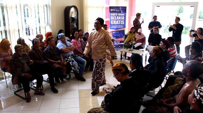 GALERI FOTO - Hari Kartini dari Aksi di Jalanan hingga Lomba Antarkaryawan - fashion_20160421_200452.jpg