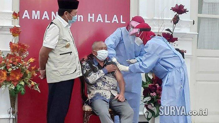 Bupati dan Wabup Tuban Tidak Terdaftar Suntik Vaksin Covid-19, Ketua DPRD yang Pertama Divaksinasi