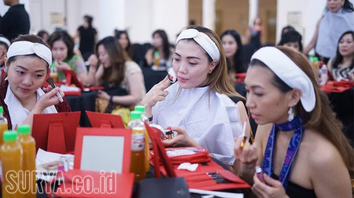 Flawless Make Up Bikin Wajah Cerah dan Fresh Seharian, Tak Terlihat Menor